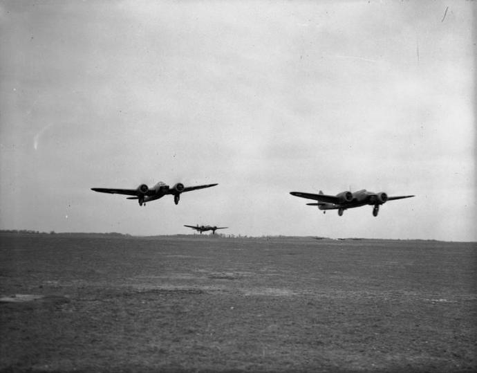 Blenheims of 59 Squadron taking off in France in 1940 © IWM (C 1166)